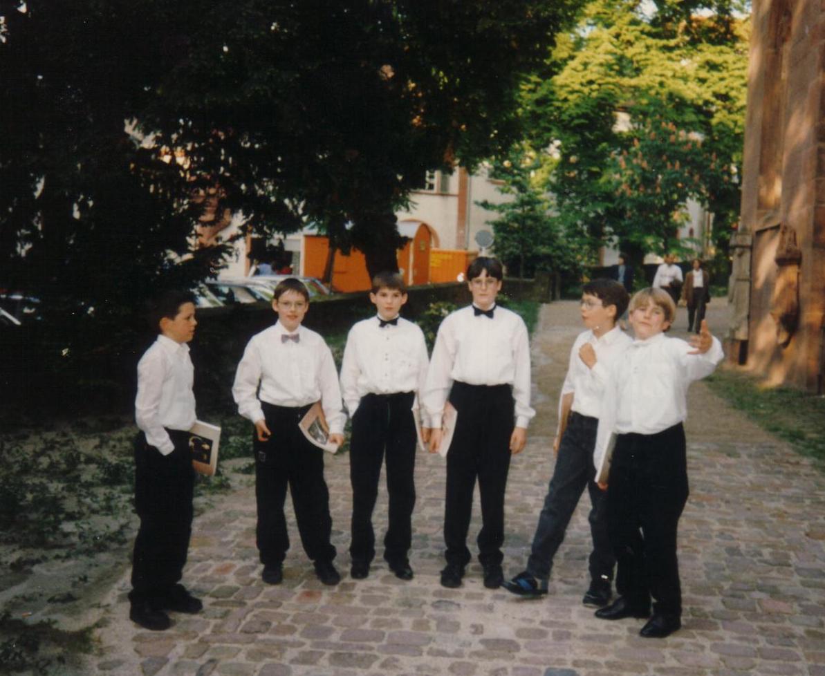 Dem Kinderchor entwachsen – unsere jungen Herren kurz vor der Aufführung von Bachs Matthäus-Passion.