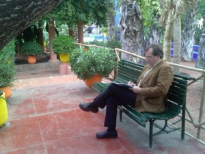 Komponierend im Botanischen Garten von Marrakesch